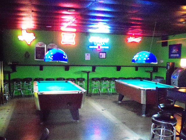 Lucky Lounge Pool Tables